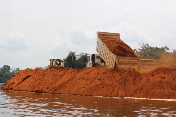 Area de construção da Usina Hidrelétrica de Belo Monte, Pará, Brasil - Novembro 2012 - Foto Tiago Gambogi - Projeto Trans-Amazônia Copyright 2012-13